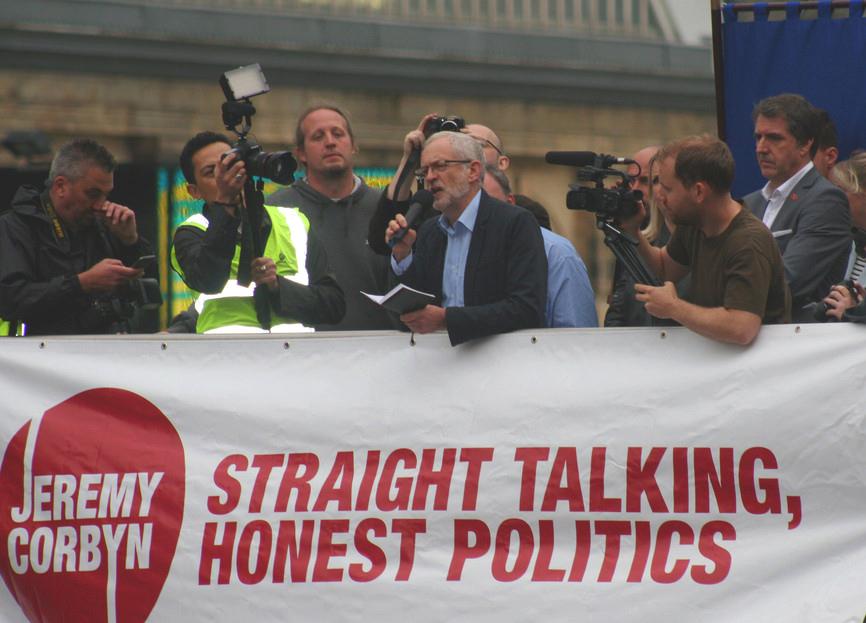 Britische Wähler signalisieren: Links ist in!