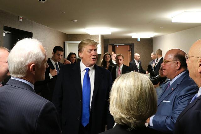 Davos – das globale Kapital ist begeistert von Trumps Offerten