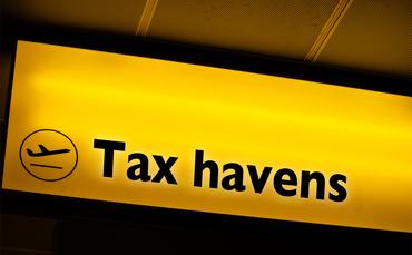 """Pfarrerin: """"Staaten machen sich zu Komplizen der Unternehmen."""" - Steuerdumping und Steuerbetrug"""