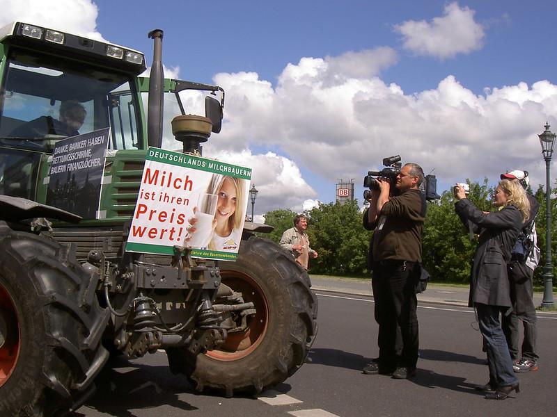 Verwirrspiel mit vielen PS: aufgeheizte Stimmung bei Bauerinnen und Bauern