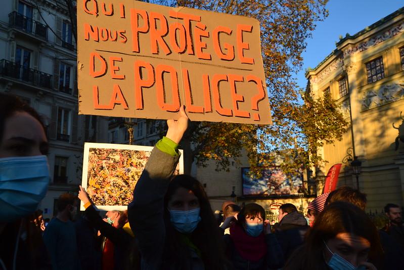 Widerstand in Frankreich gegen das Abdriften in einen autoritären Polizeistaat